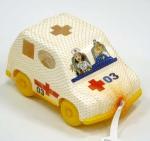 Дидактическая игрушка Машинка (в сетке) .