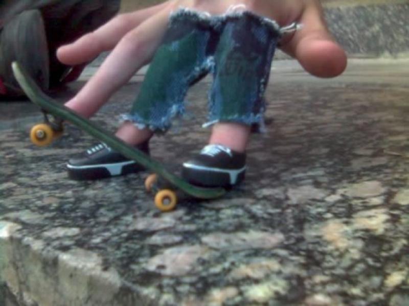 Как сделать игрушечный скейтборд своими руками в домашних условиях
