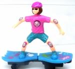 Игрушка Девочка на скейте.